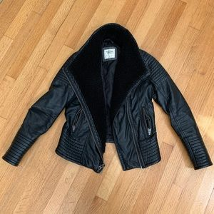 Abercrombie & Fitch Sherpa Lined Leather Jacket XS